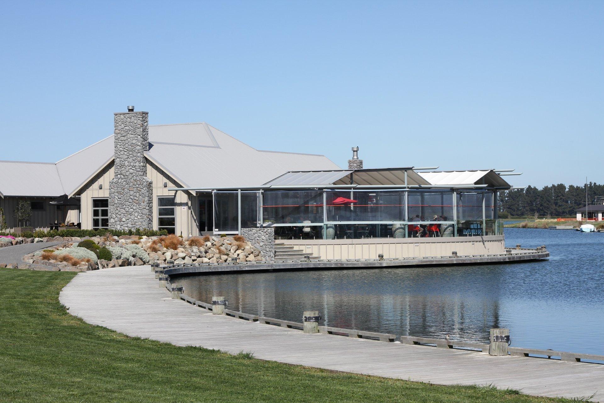 The Lake House Restaurant & Bar