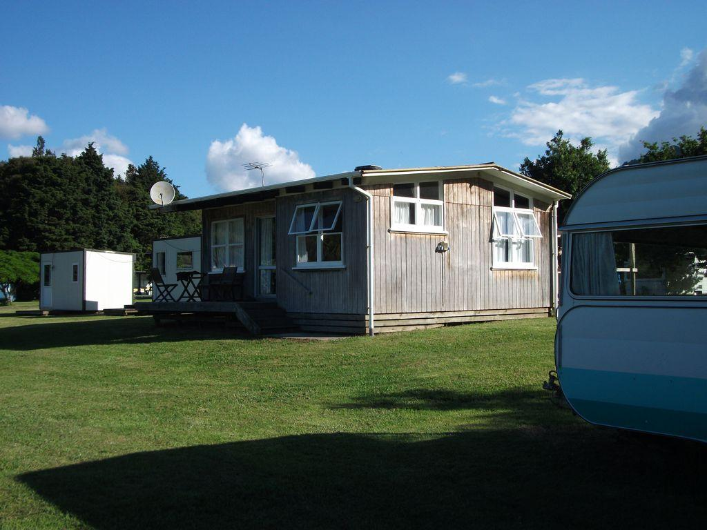 Riverglen Holiday Park & Campground