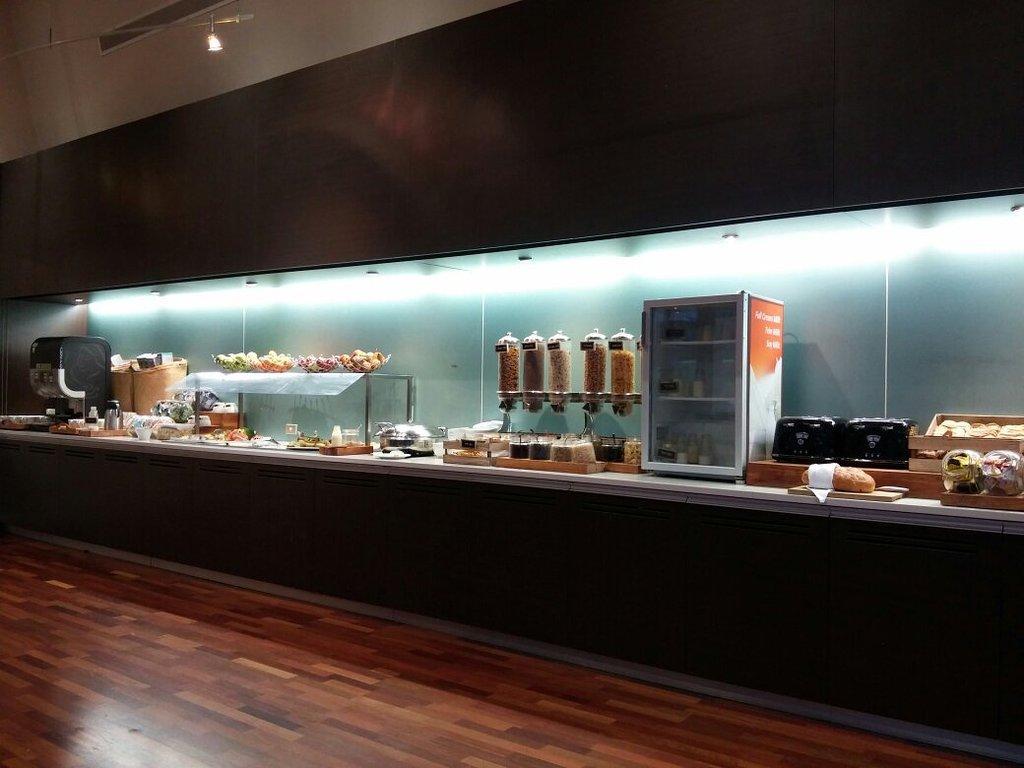 Atlas Cafe & Restaurant