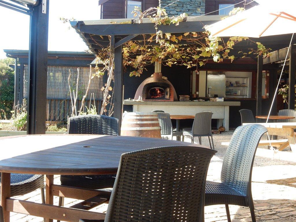 Omata Estate Vineyard & Kitchen