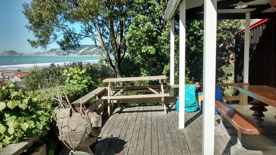 Stranded in Paradise - BBH