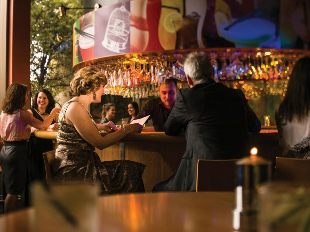 Birdcage Bar & Restaurant