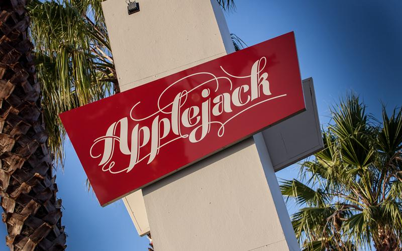 Applejacks Bar & Restaurant