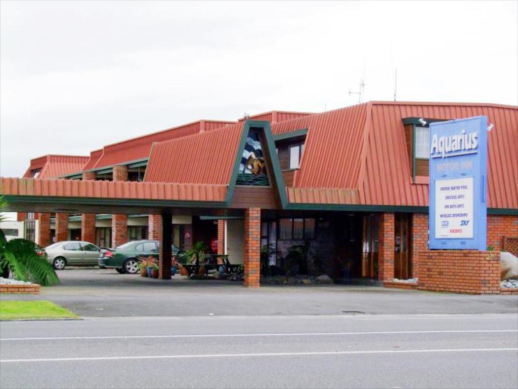 The Aquarius Motor Inn