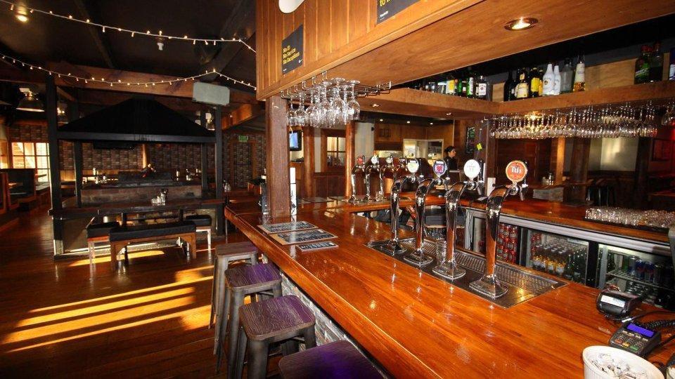 Take 5 Bar & Restaurant