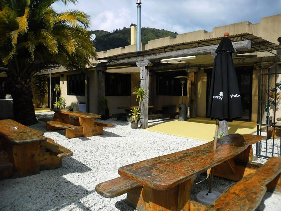 Mikeys Bar & Restaurant