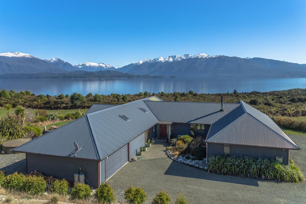 Loch Vista Lake View Villa Accommodation