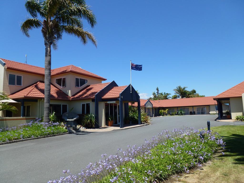 Pacific Coast Motor Lodge