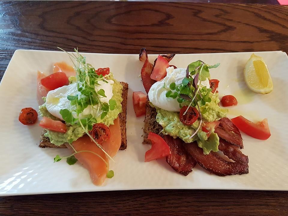La Vista Cafe & Restaurant