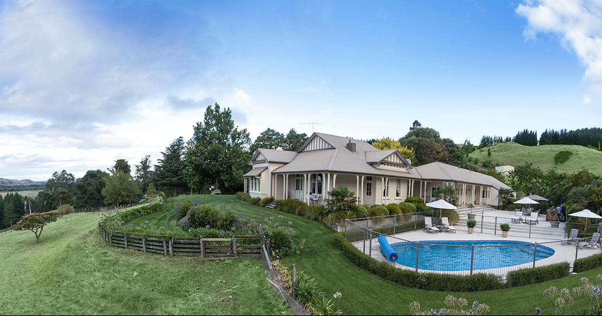 The Manse - Luxury accommodation - Hawkes Bay