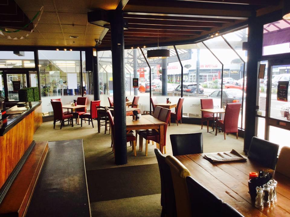 Glasine's Cafe Bar & Gaming