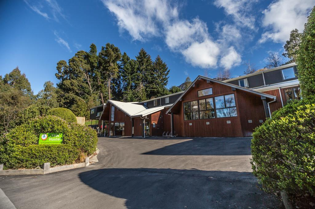 YHA NZ: Queenstown Lake Front Accommodation