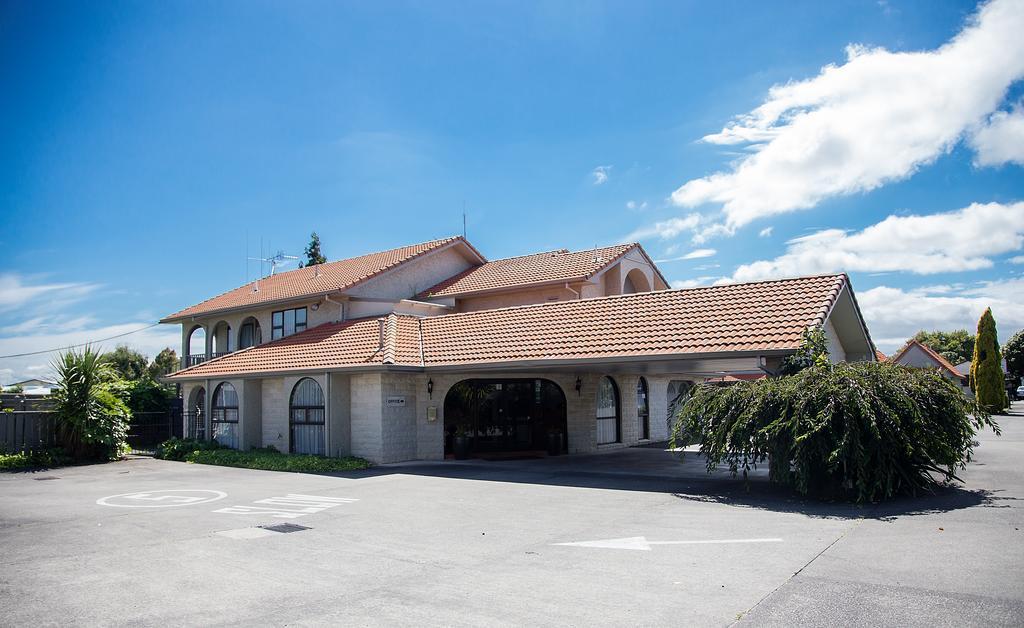 Econo Lodge The Villas
