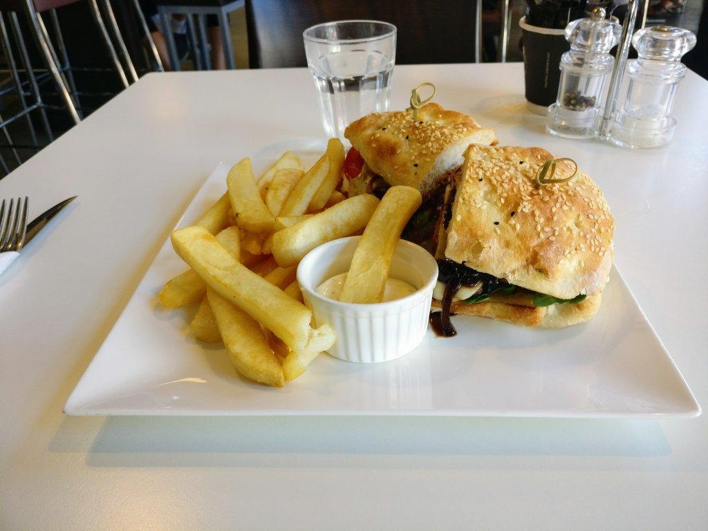 Adoro Cafe