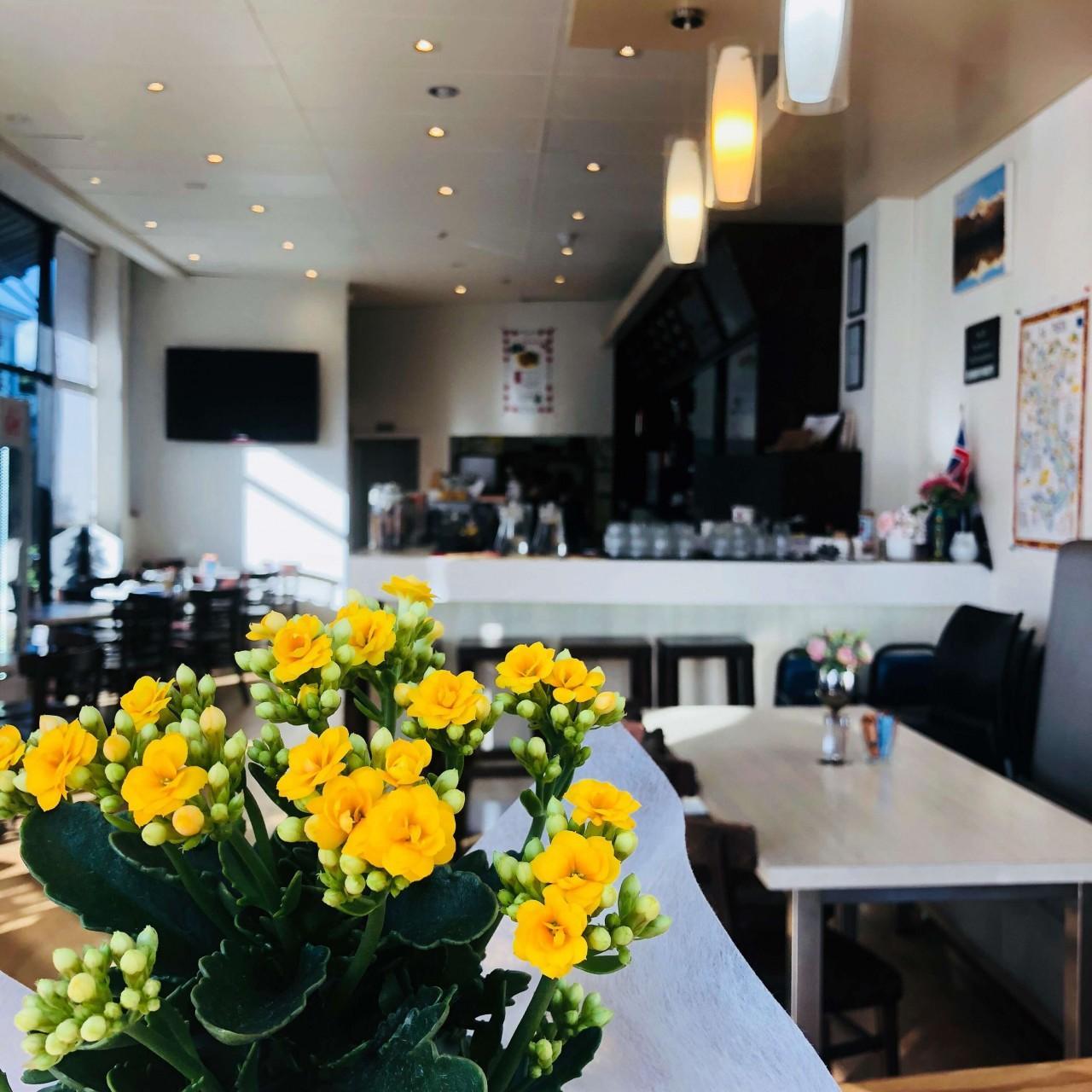 Ragazzi Cafe & Wine Bar