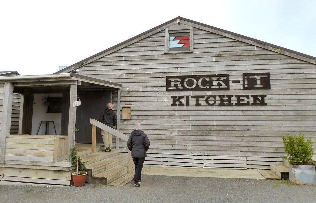 Rock-It Kitchen