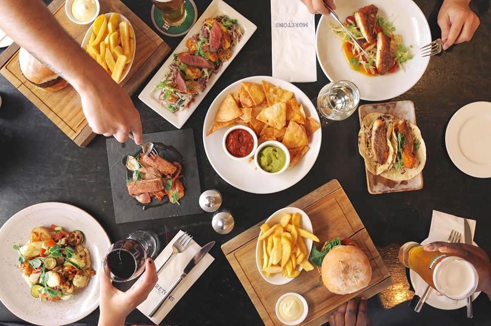 Moretons Bar & Restaurant