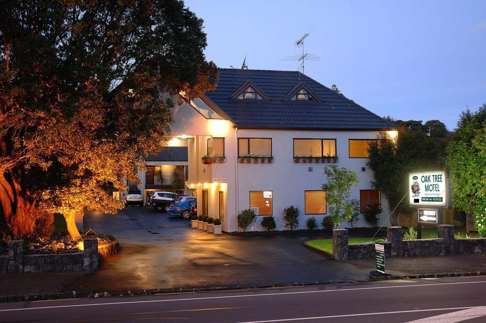 Oak Tree Motel