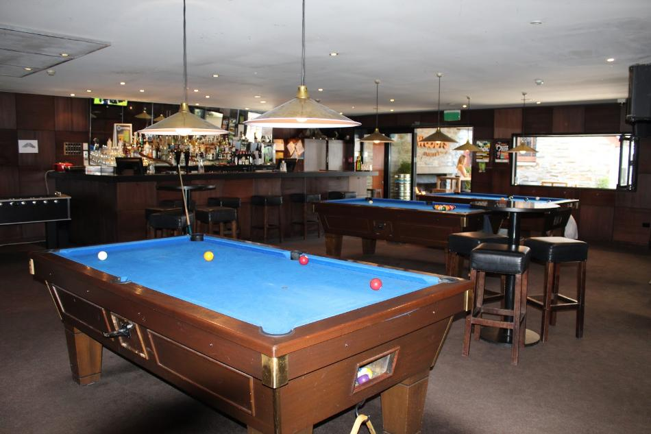 Woodys Sports Bar