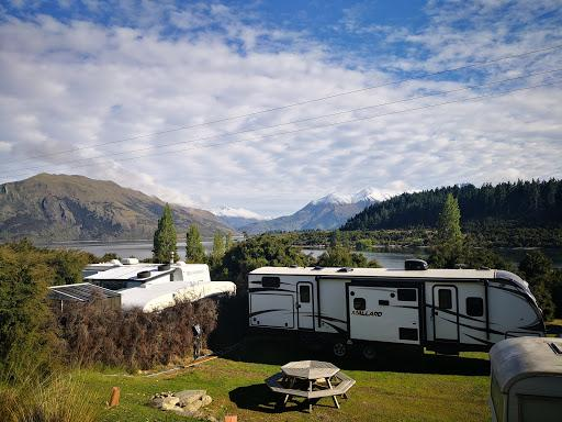 Lake Outlet Holiday Park