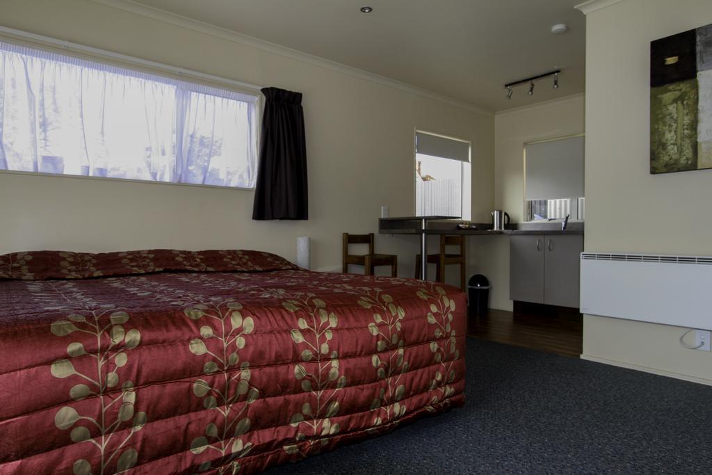 Heritage Court Motel