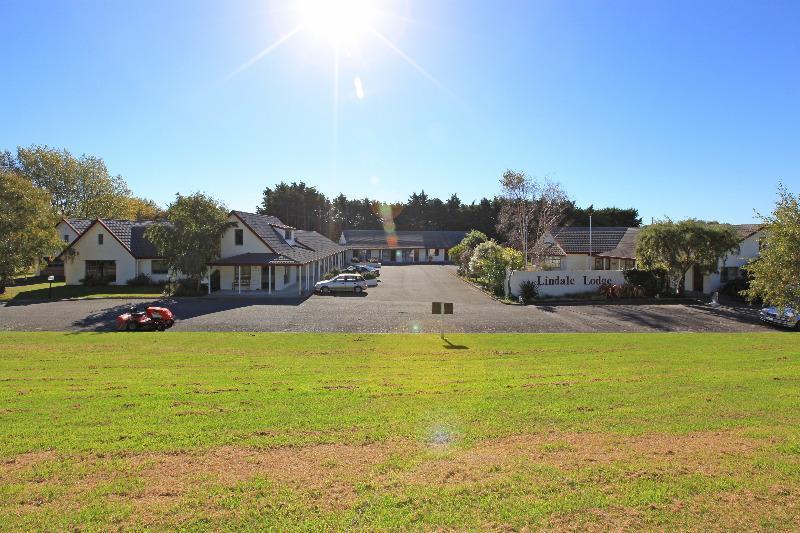 Kapiti Lindale Motel & Conference Centre