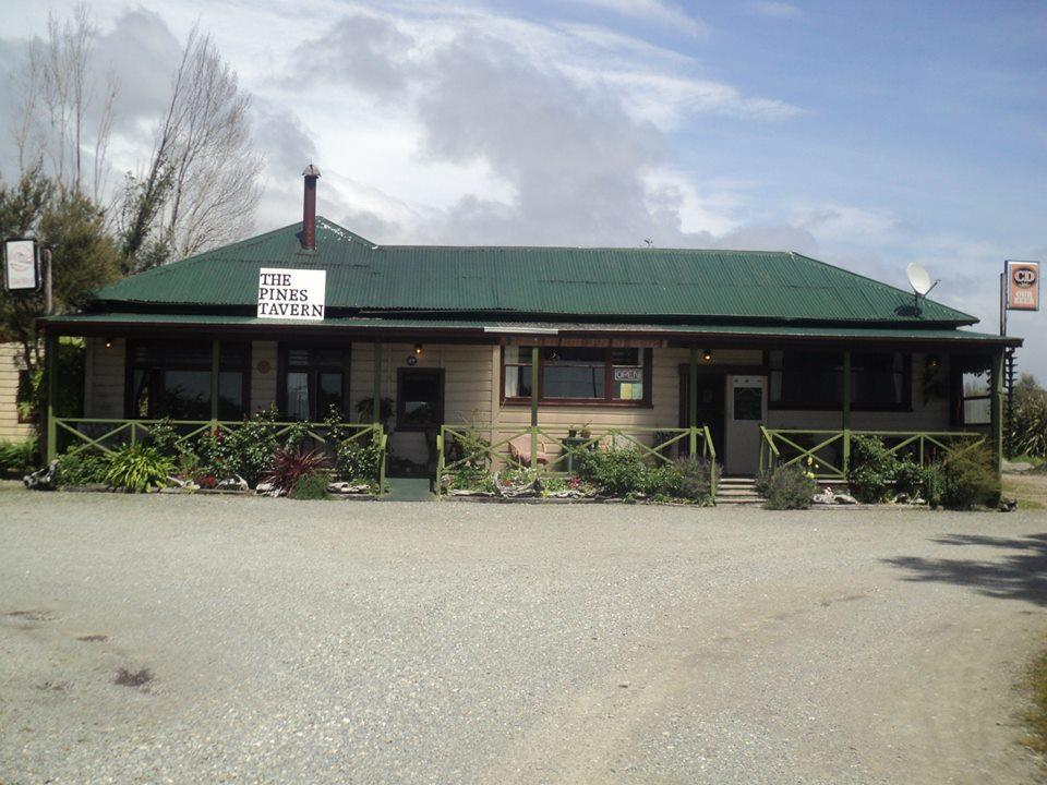 The Pines Tavern & Banbury Restaurant