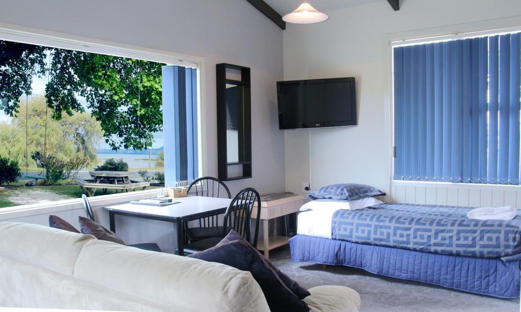 Jack & Di'S Lakefront Resort