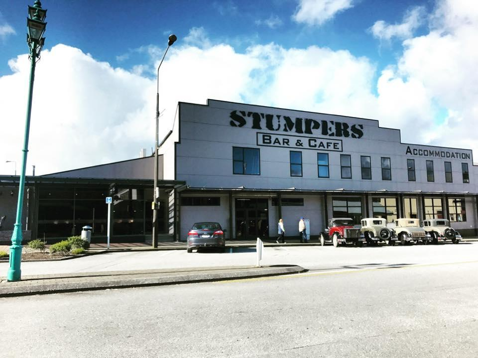 Stumpers Bar & Cafe
