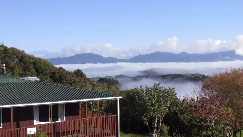 Okopako Lodge Farm Hostel - BBH