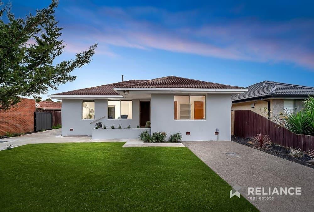 Property in Melbourne under 450k