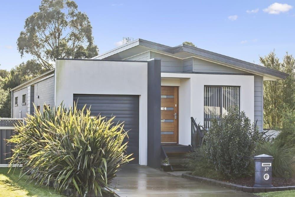 Cheap beach house in Australia