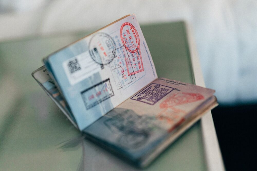 パートナービザ   出入国記録 パスポート