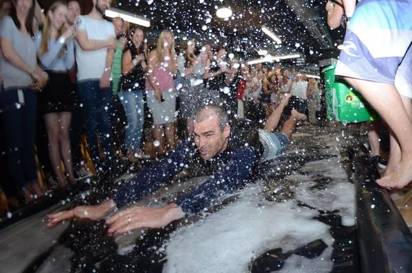 Person, Foam, Paper, Confetti