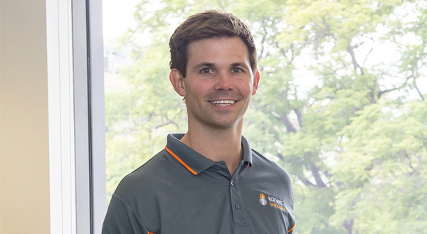 Person, Face, Clothing, Apparel, Man, Golf, Sport, Sports
