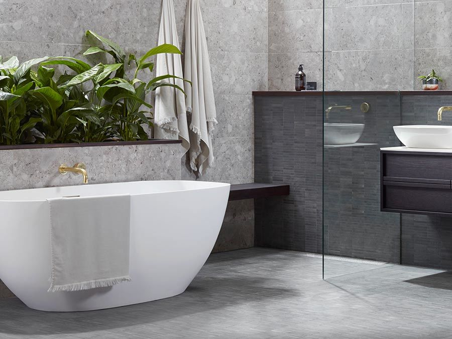 Inset Vs Freestanding Baths: Find The Right Bath for You ...