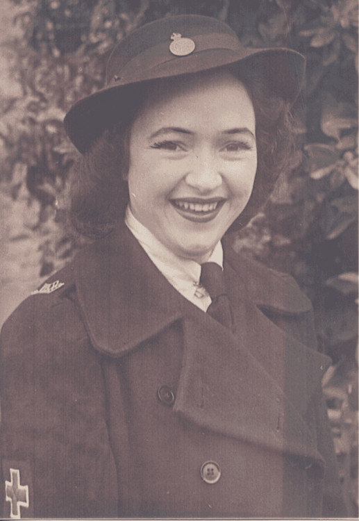 Here is Miss Homan in her uniform in 1945. Lois's mother, Nellie Homan had served as a VAD during the Great War and went back into uniform for the Second World War. Mother and daughter served together briefly with VA Detachment 204 in Queensland. (Thanks to Lois's son Glenn Wright who gifted his mother's uniform and photograph to the Anzac Memorial Collection.)