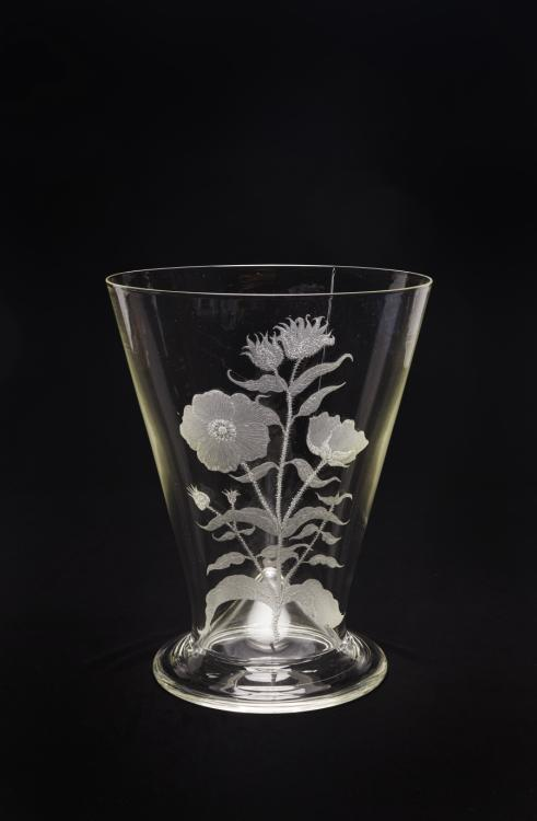 Glass vase displaying a hand-etched design of the Gallipoli Rose