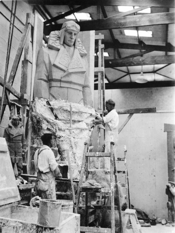 Harry Grounds and John Moorfield making the plaster mould for the air force officer. Courtesy Australian War Memorial