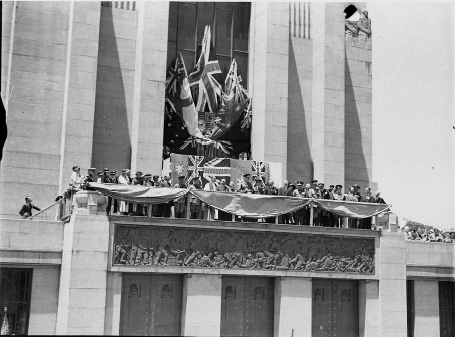 The official party gathered on the Memorial's western balcony during the 1934 opening ceremony