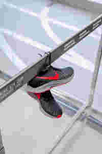 Web space between nike srg pegasus 16