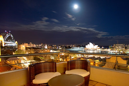 rendezvous-sydney-the-rocks-hotel-one-bed-apartment-balcony-5-2012-450x300.jpg