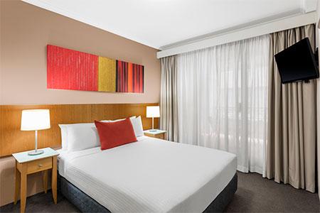 medina-serviced-apartment-martin-place-one-bedroom-apartment-king-450x300.jpg