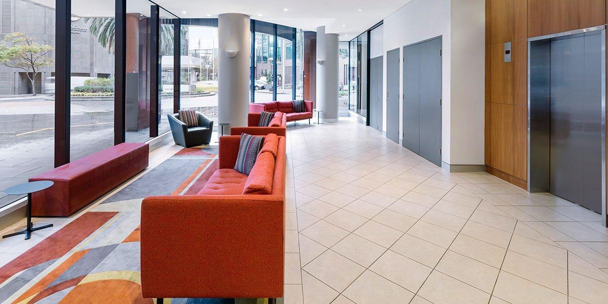 travelodge-hotel-southbank-melbourne-lobby-2017.jpg