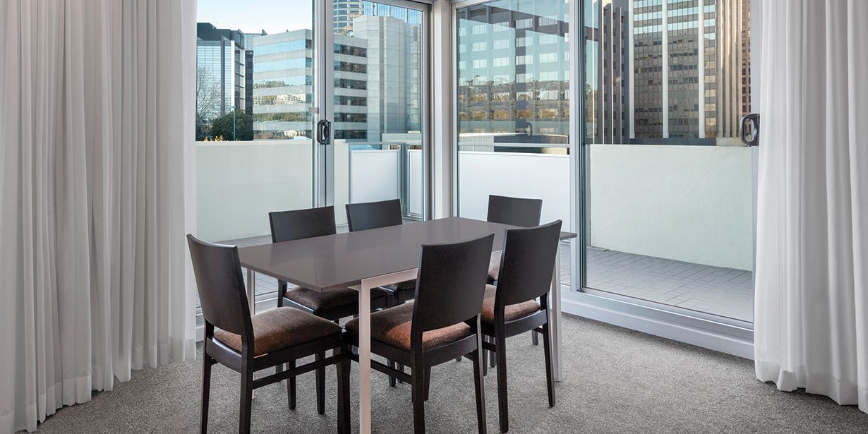 adina-apartment-hotel-perth-premier-grand-two-bedroom-apartment-dining-city-view-2017.jpg