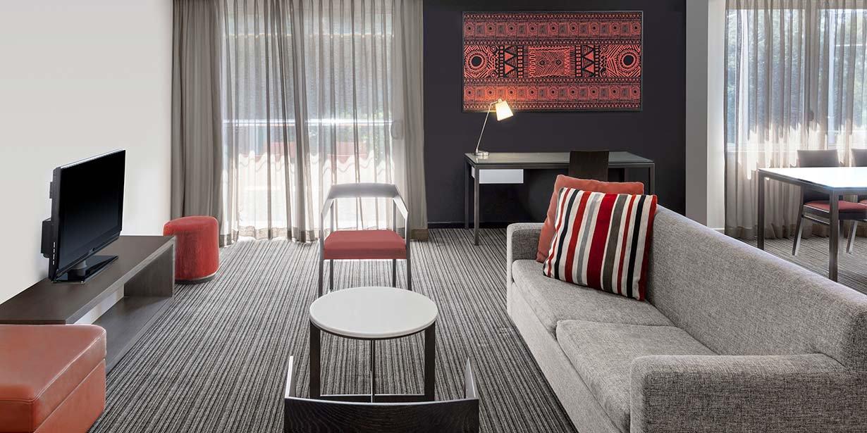 adina-vibe-darwin-waterfront-two-bedroom-view-room-lounge-room-2016.jpg
