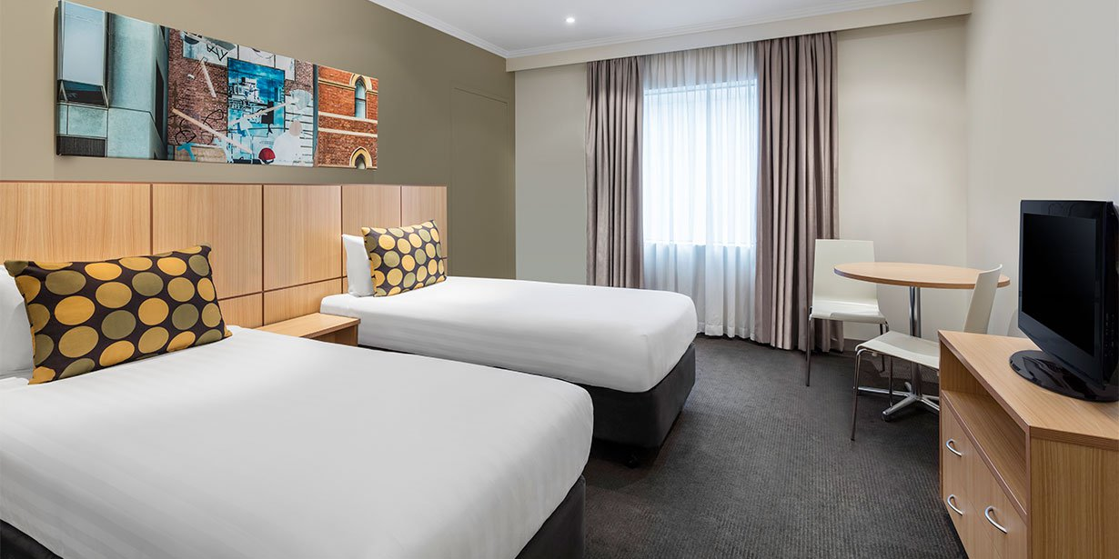 travelodge-hotel-southbank-melbourne-guest-room-single-twin-01-2017.jpg