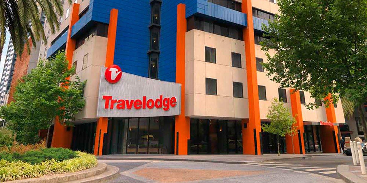 travelodge-hotel-southbank-melbourne-hotel-guest-room-exterior-1-2012---Copy.jpg