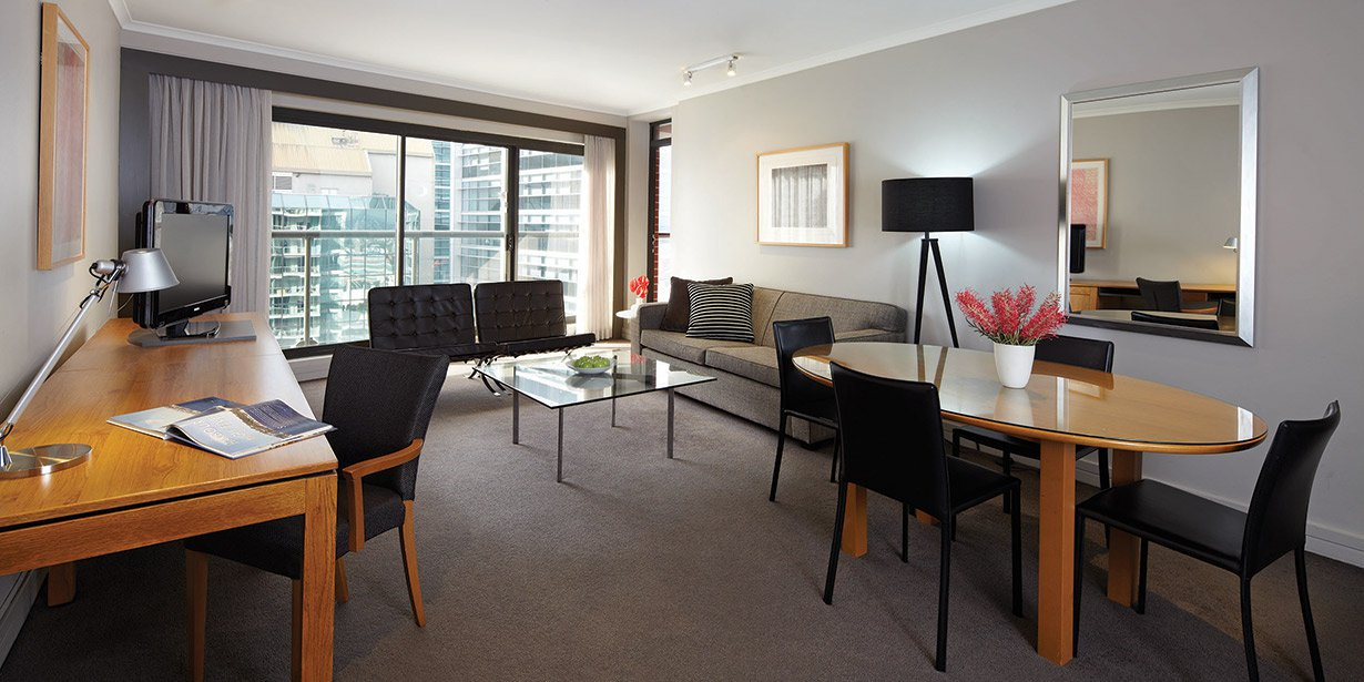 adina-sydney-apartment-hotel-premier-two-bedroom-lounge-2-2013.jpg