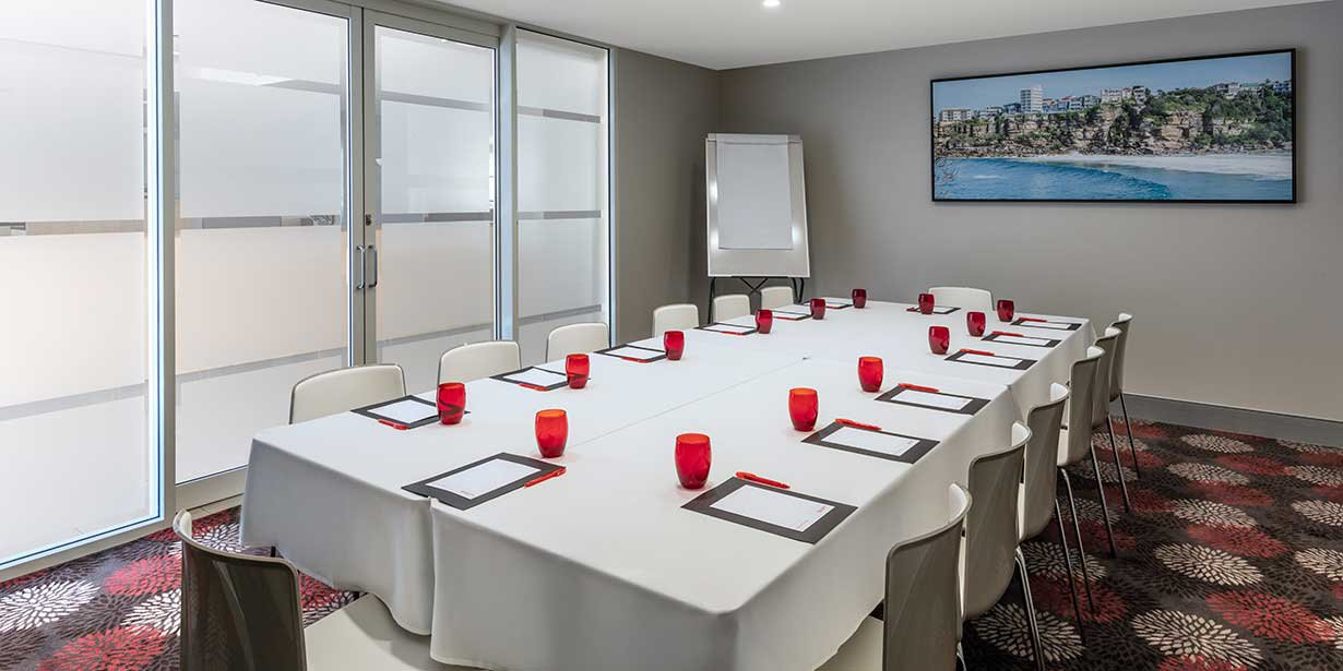 travelodge-hotel-manly-conference-room-boardroom-2016.jpg